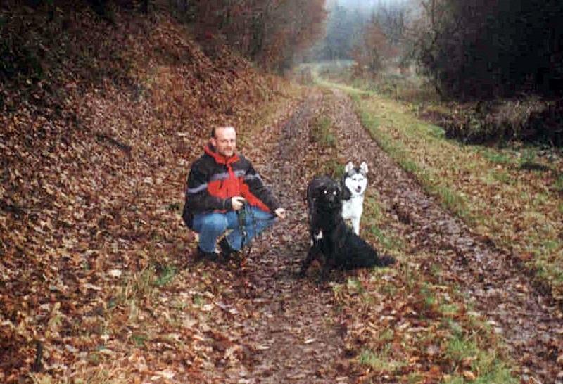 2004-12_Lucky_und_Chica_-_Waldspaziergang